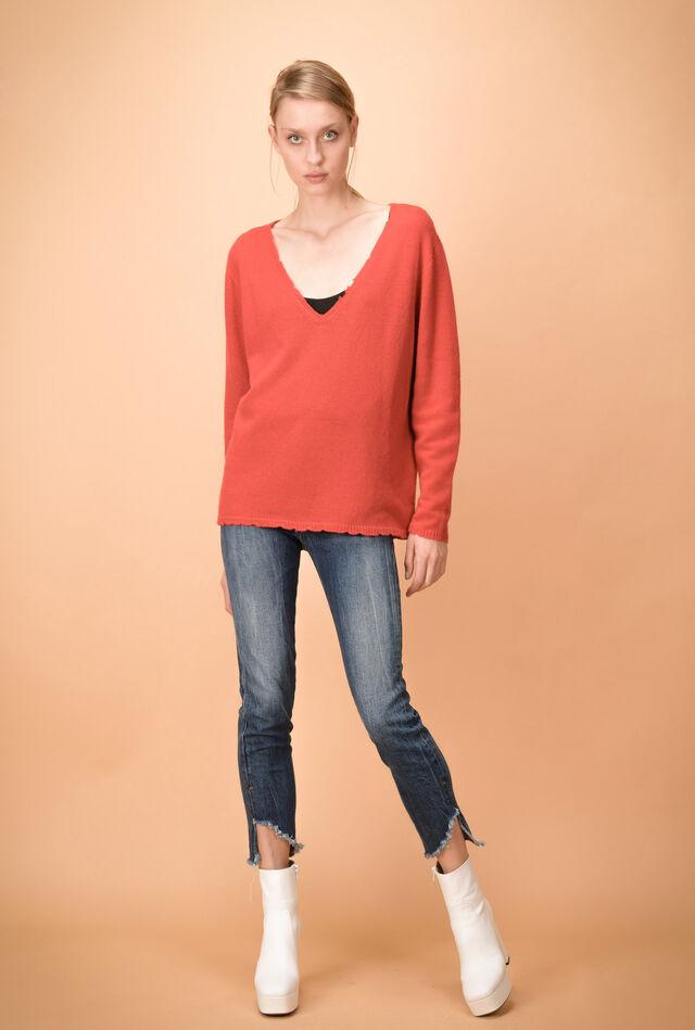 Пуловер с V-образным вырезом из шерсти и кашемира с фестончатыми краями