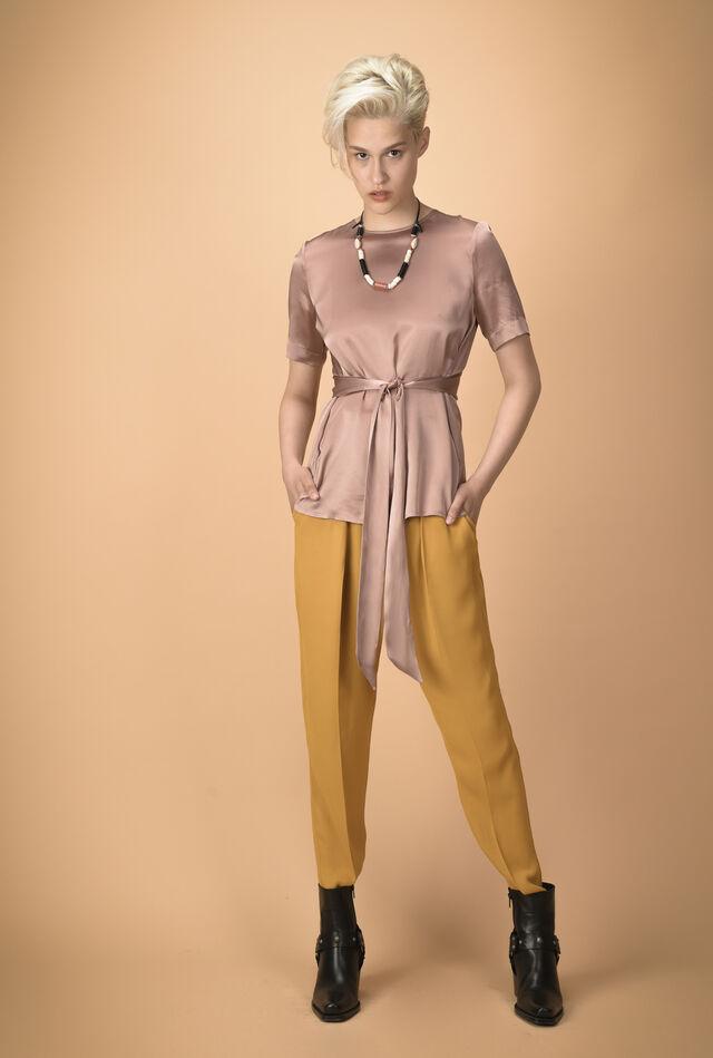 Blusa in raso di seta con fusciacca