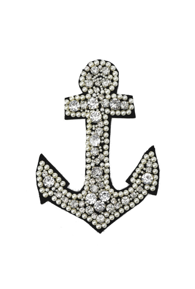 Anchor brooch with pearl beads and settings