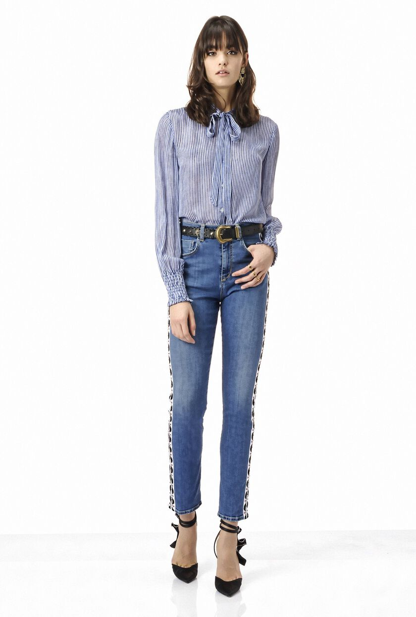 High-rise jeans with side decoration and crystals