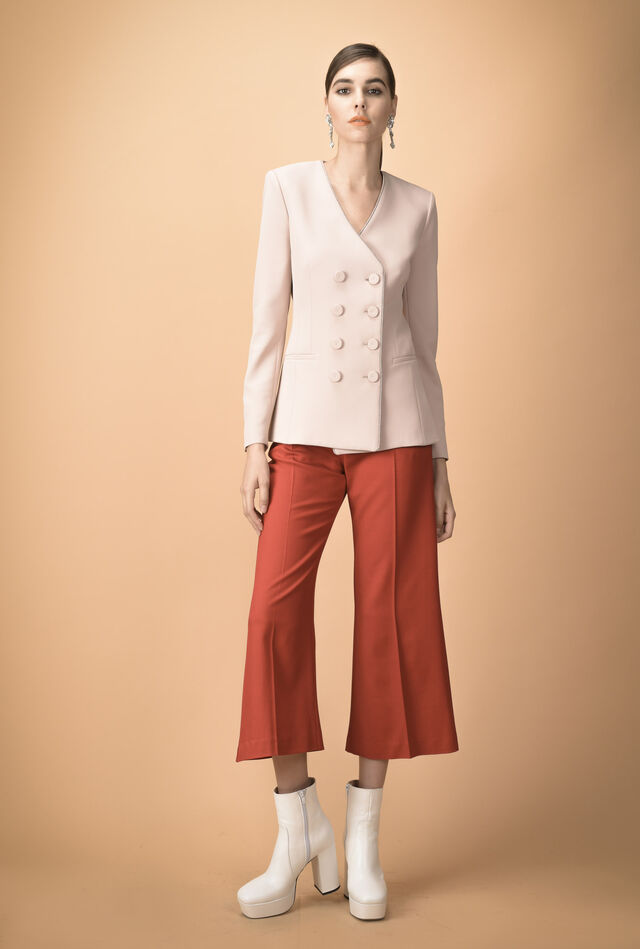 Crêpe jacket with double row of buttons