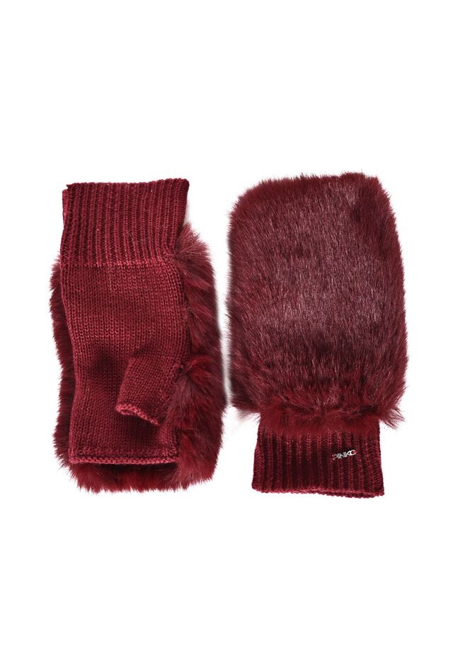 Knitted gloves with faux fur