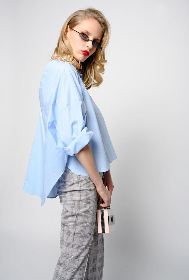 Camicia in popeline con colletto gioiello