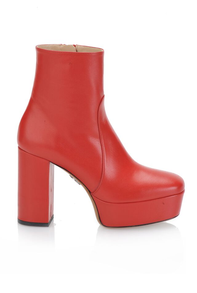 Leather ankle boots with platform