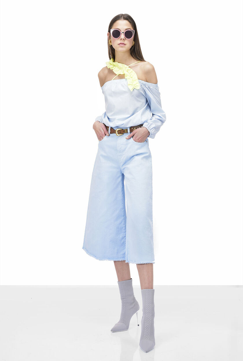 Cropped flared light wash jeans