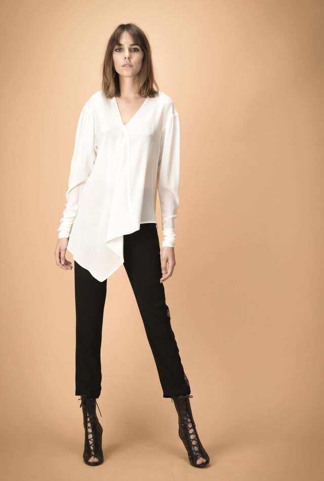 Asymmetric blouse in silk crêpe de chine
