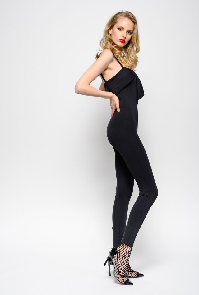 Snug-fitting jumpsuit in heavy technical fabric