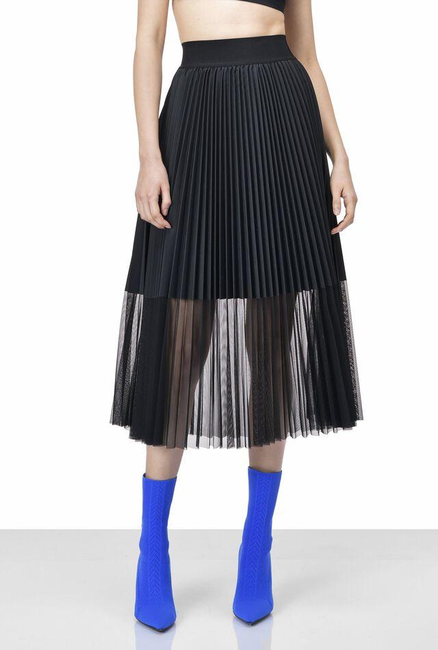 Falda plisada de tul