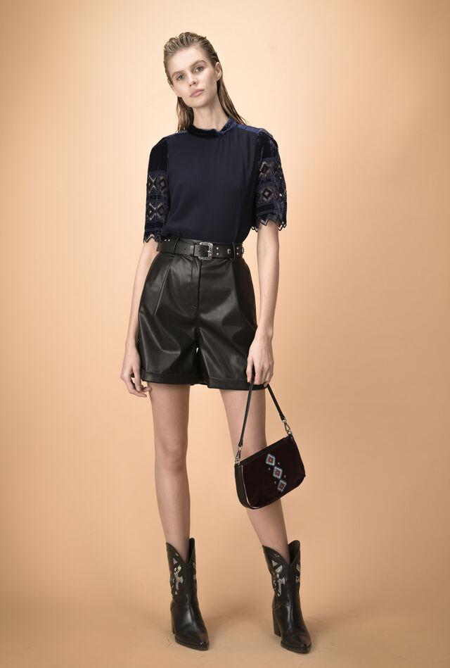 Velvet blouse with short sleeves