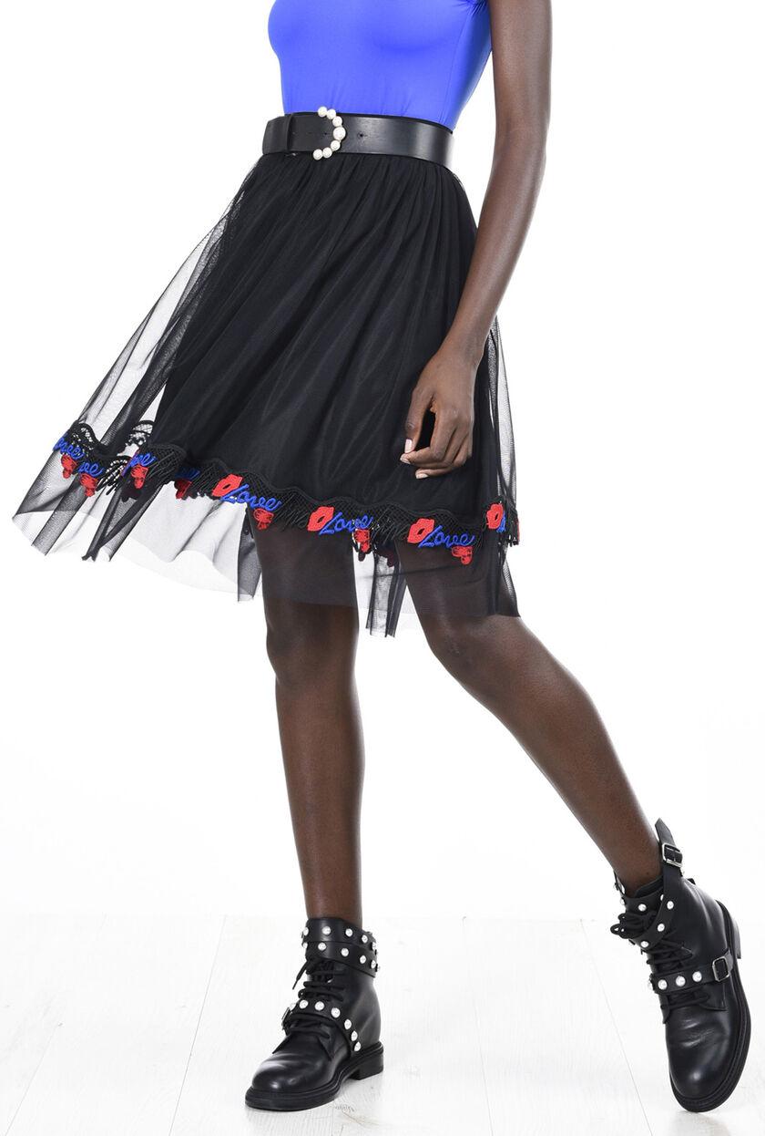 Falda de tul con aplicaciones