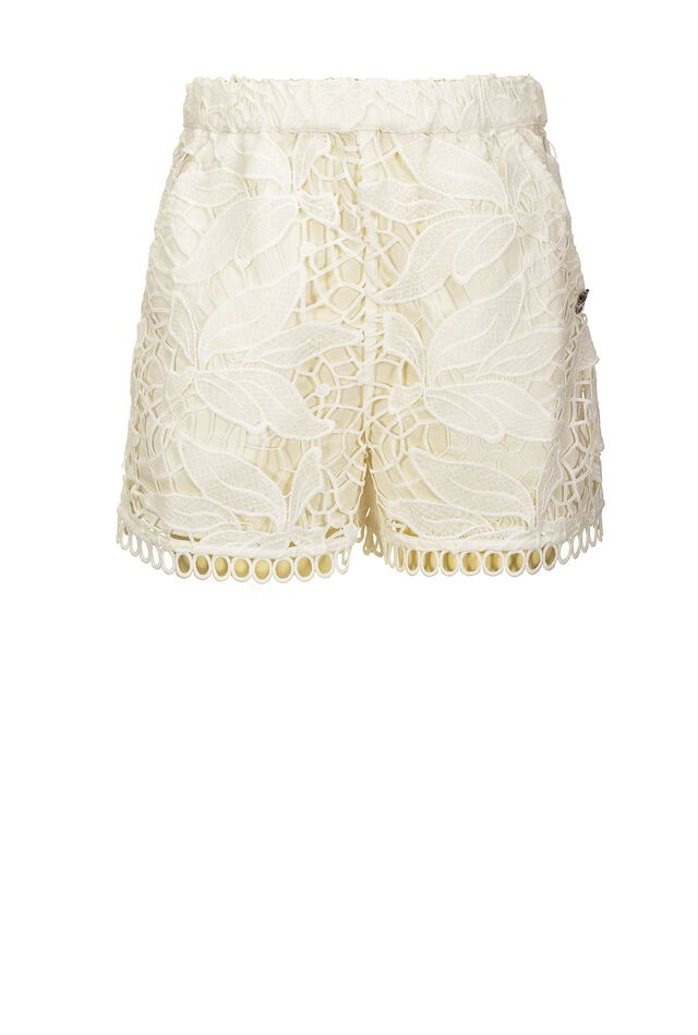 Shorts in leaf pattern macramé lace