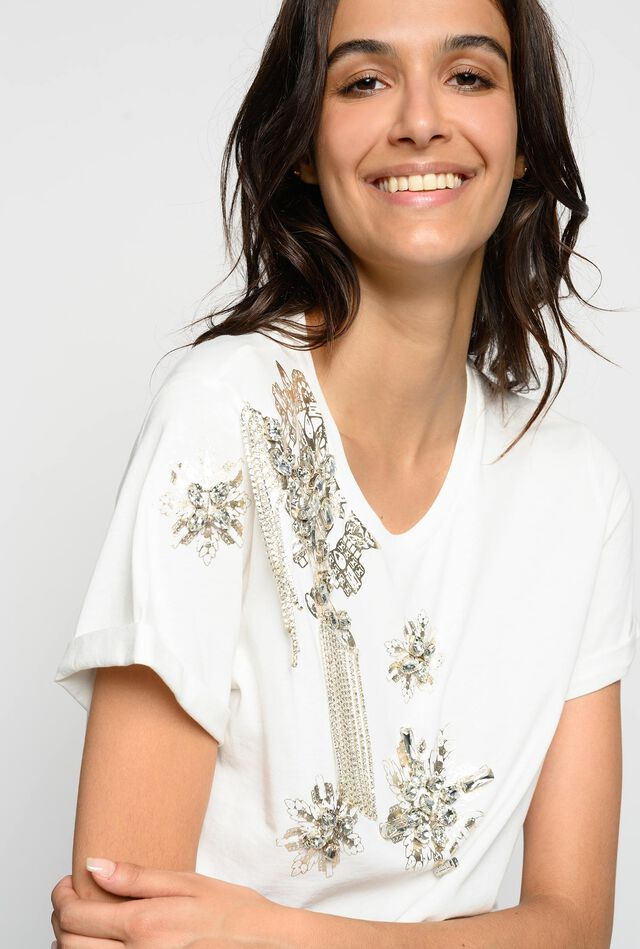 T-shirt with jewel embroidery