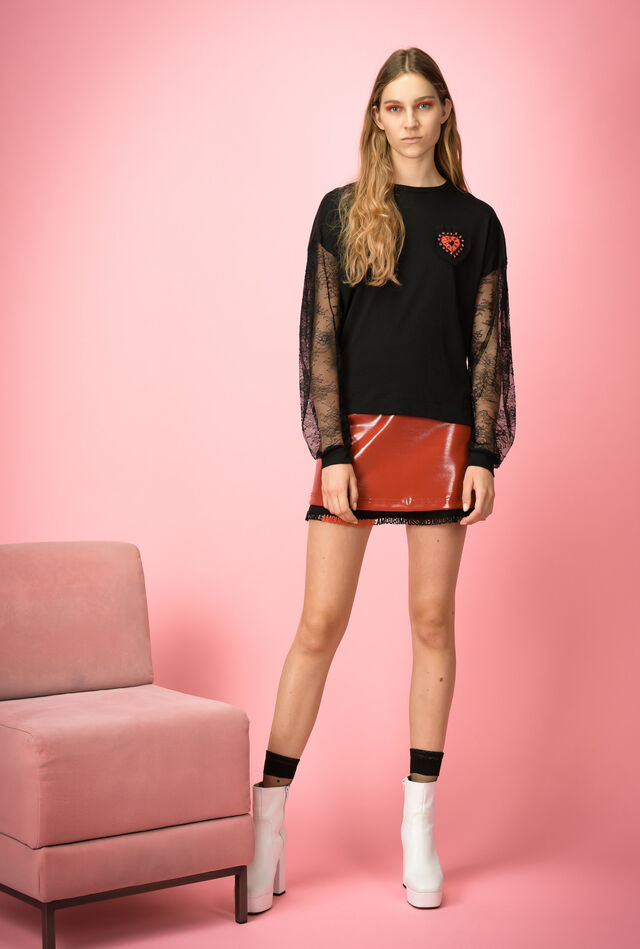 T-shirt in jersey con strass e pizzo