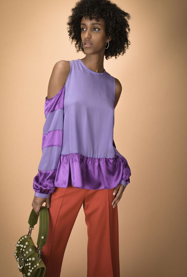 Asymmetric blouse in silk crêpe de chine