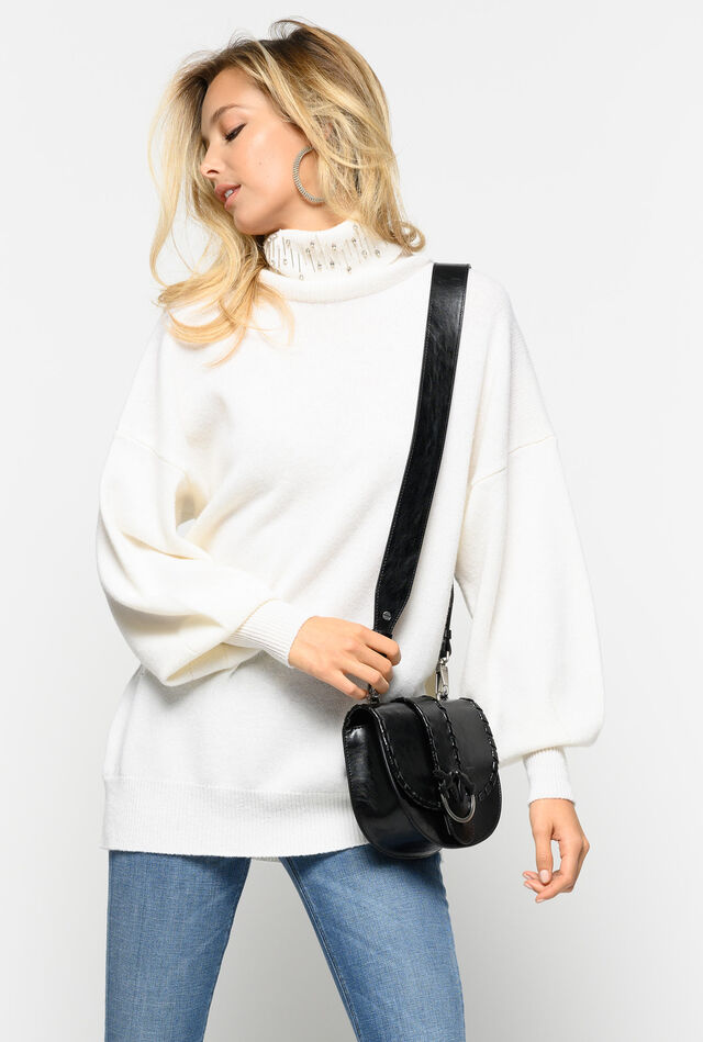 Pullover with raised collar