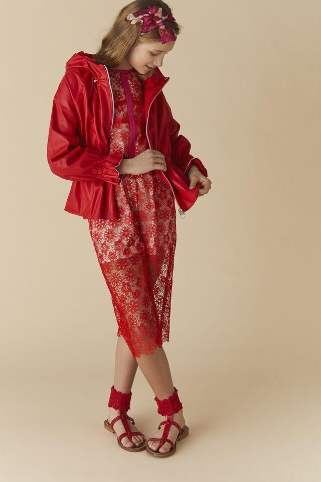 Jumpsuit in floral macramé lace