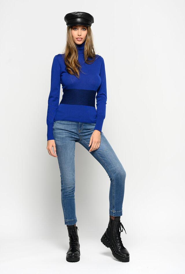 Skinny fit jeans in two-way stretch denim