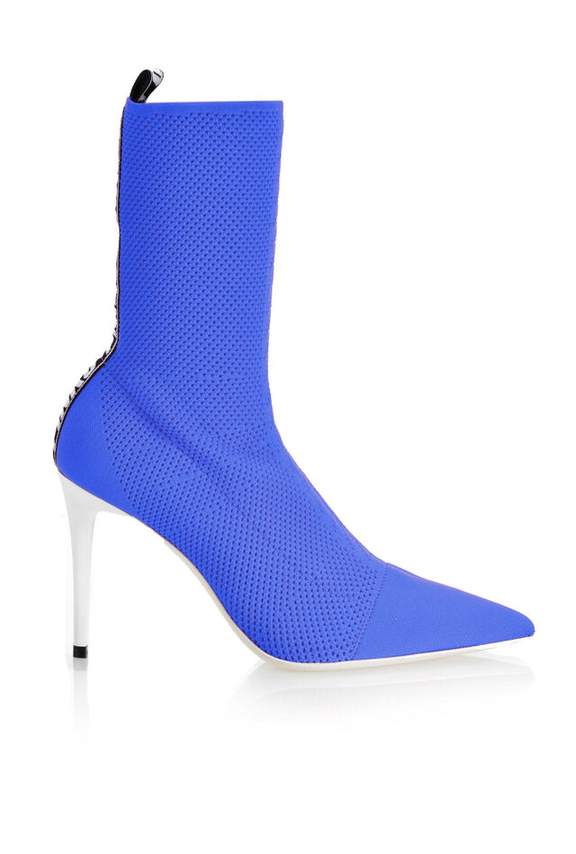 Ankle boots in stretch fabric