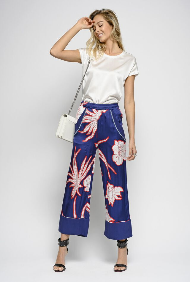 cb0a72d38f7 Satin trousers with macro leaf print