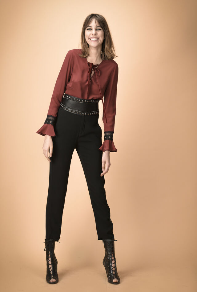 Blouse in silk crêpe de chine with velour plaiting