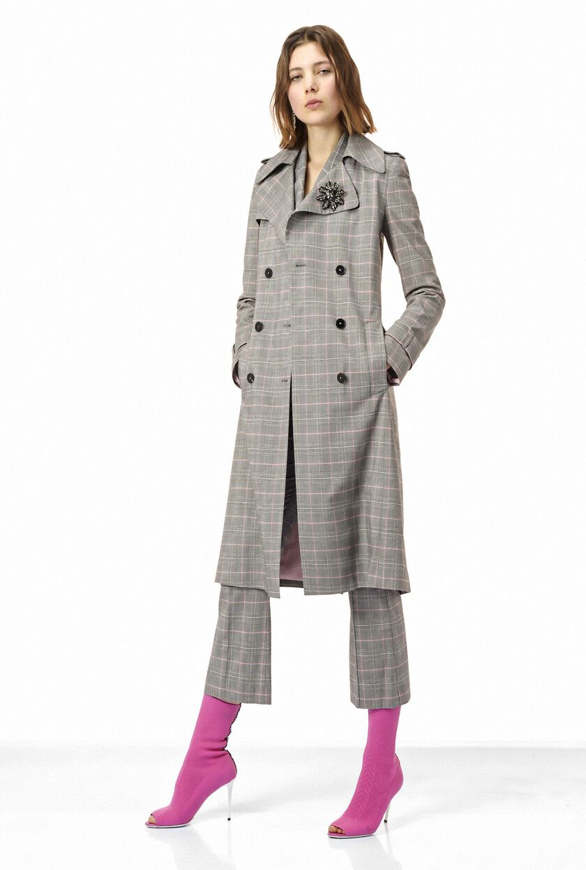 Trench coat featuring the Prince-of-Wales pattern