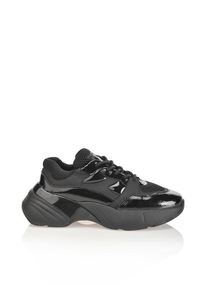 心躍る靴、ラバーコート ディテール スニーカー