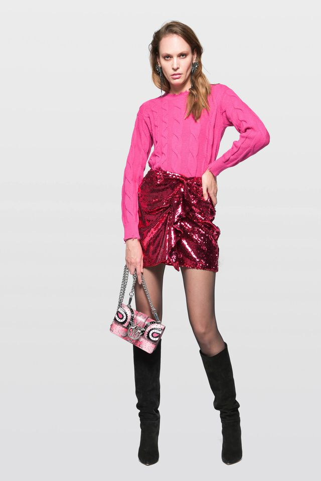 Flowing mini skirt full of sequins