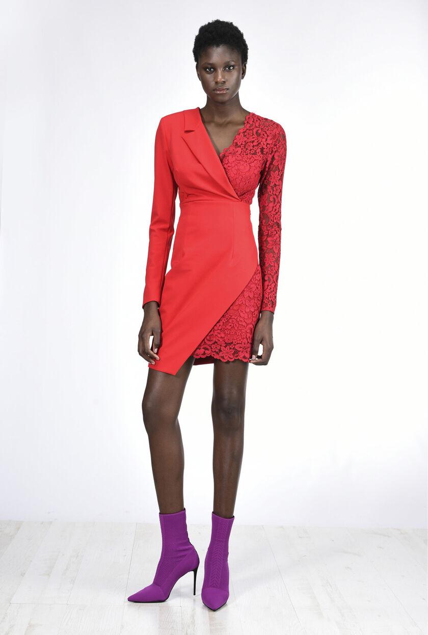 Vestido asimétrico de encaje y tejido bielástico