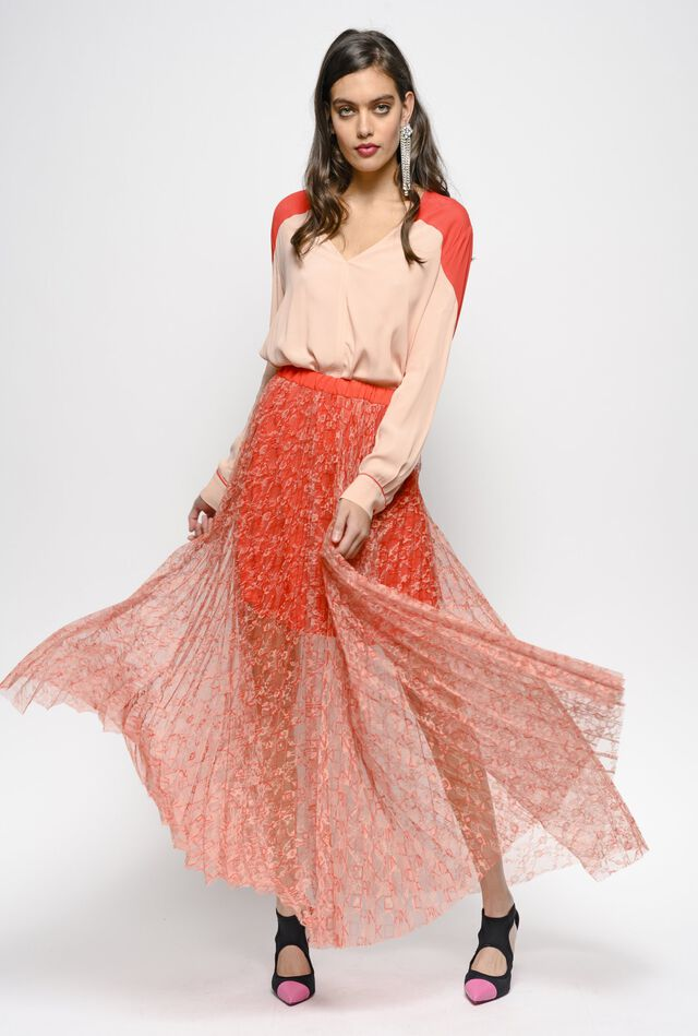 Maxi pleated skirt in lace