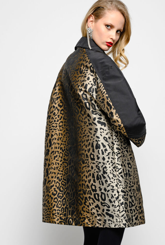 Reefer coat in leopard pattern jacquard technical viscose