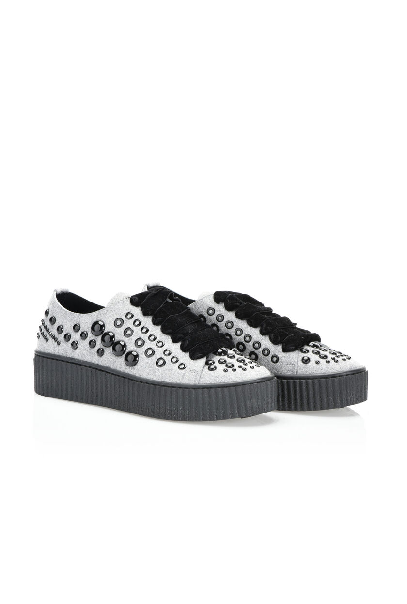 Felt sneaker with studs and eyelets